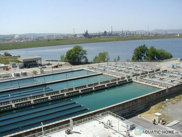 Резервуары на станции водоподготовки