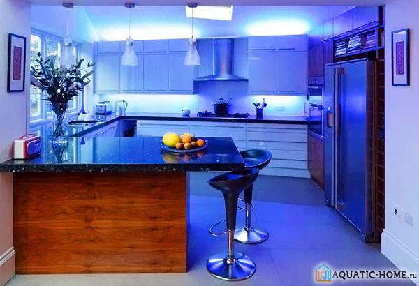Подсветка может изменить основной цвет интерьера