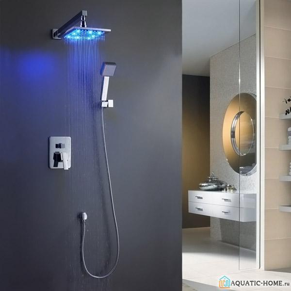 Тропический душ, оснащенный эффектной подсветкой