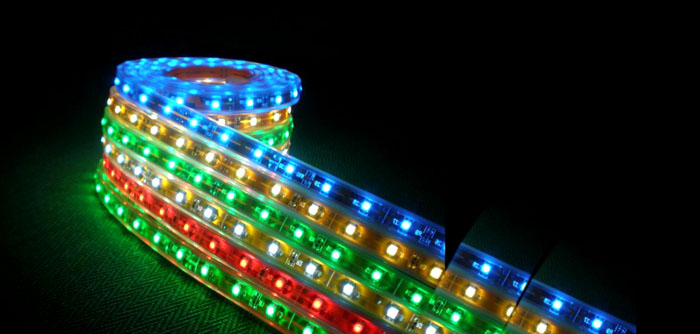 Независимо от типа свечения такие ленты легко использовать и делить на нужное количество элементов
