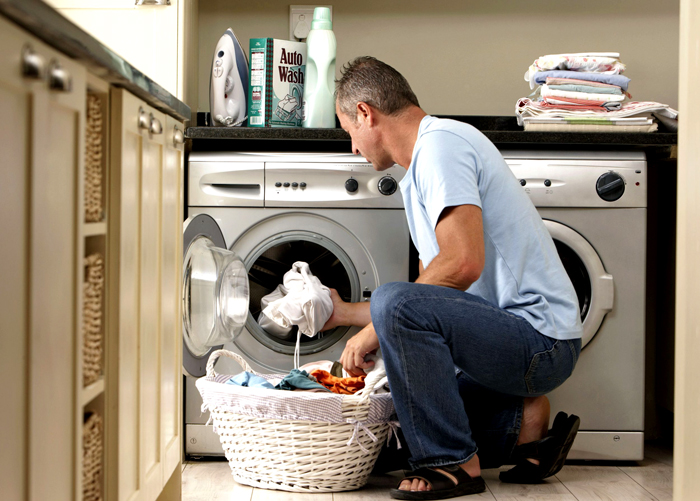 Перед генеральной уборкой автомата нужно отключить прибор от сети, чтобы избежать случайного поражения током