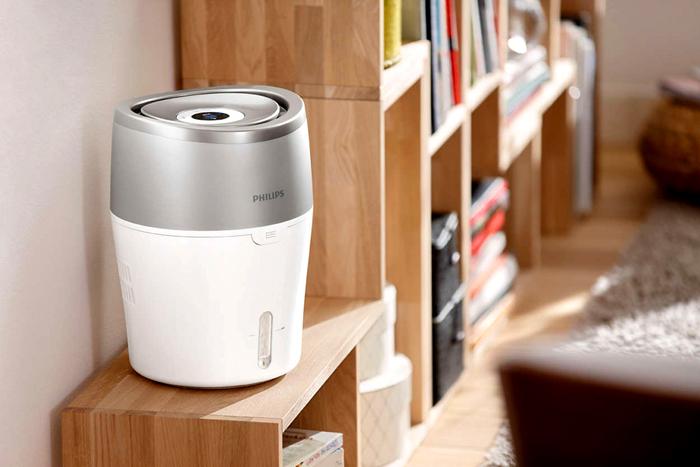 Увлажнитель воздуха – небольшой прибор, который работает от обычной сети и может стоять в любом месте квартиры
