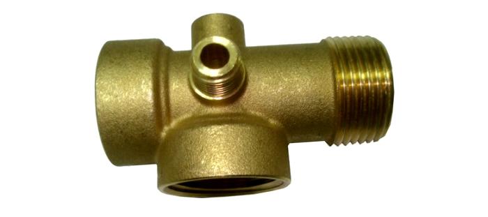 Пятивыводной кран для гидробака