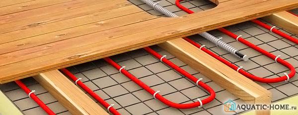 Монтаж труб на деревянное основание