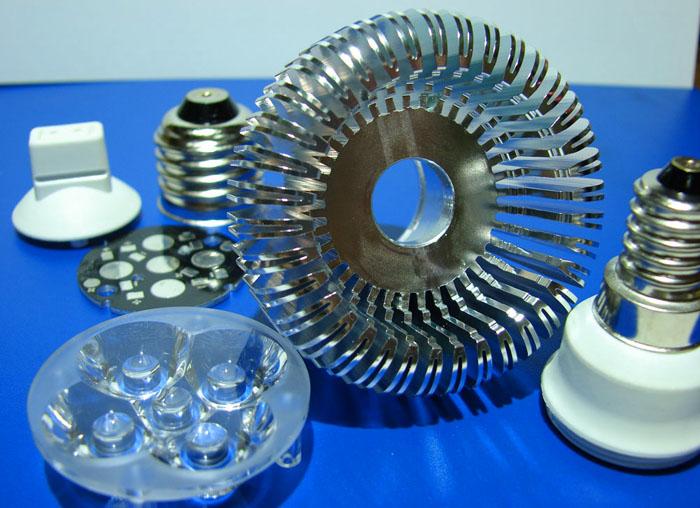 Эффективное отведение тепла способен обеспечить только металл