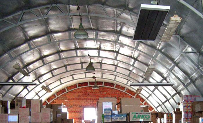 Особенно эффективно использование инфракрасных обогревателей при большой высоте потолков, в крупных помещениях
