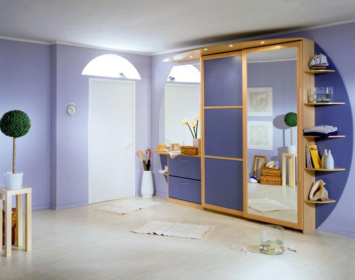 Подсвеченный шкаф станет ярким акцентом интерьера