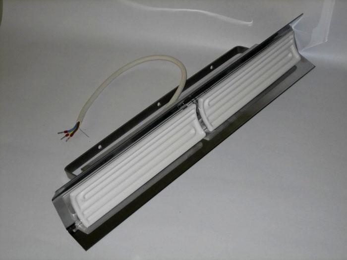 ИК-обогреватель керамический с настенным креплением и отражающим рефлектором