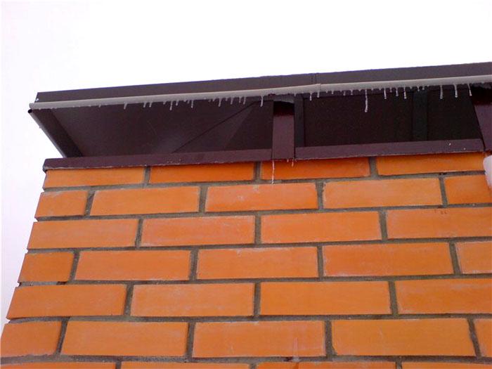 По мере роста лед способен полностью перекрыть воздуховод