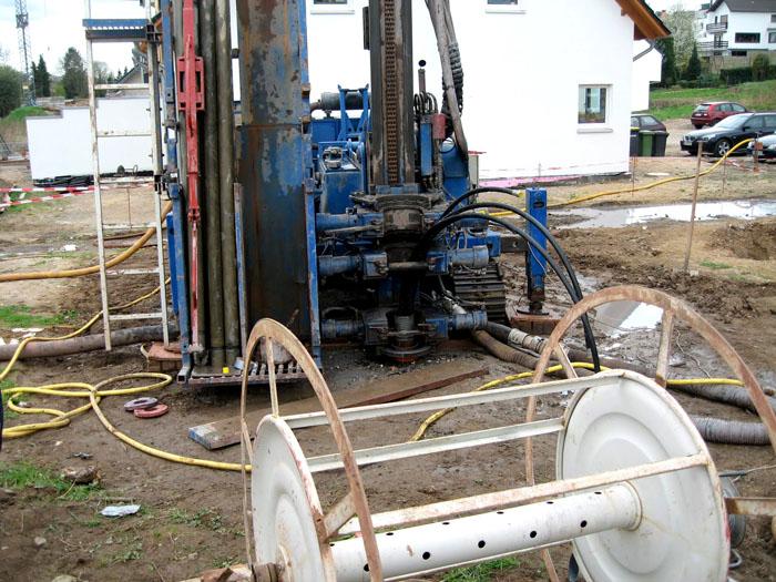 Бурение скважины с применением специализированного оборудования
