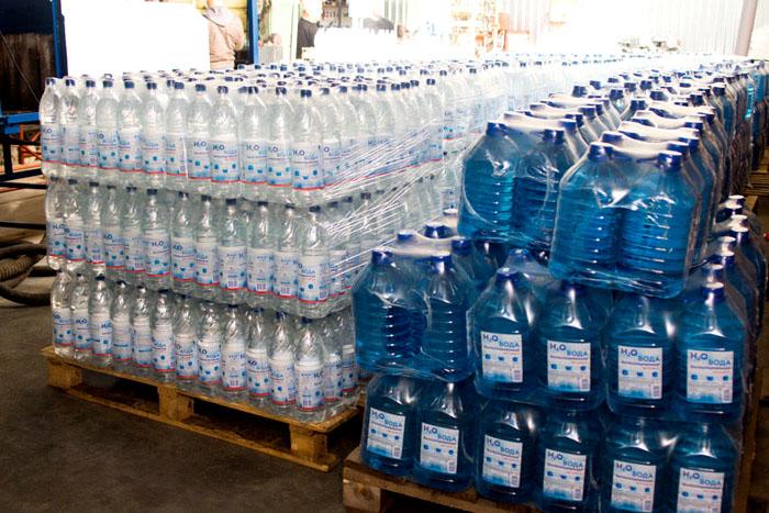 Техническая дистиллированная воды выпускается в разной таре