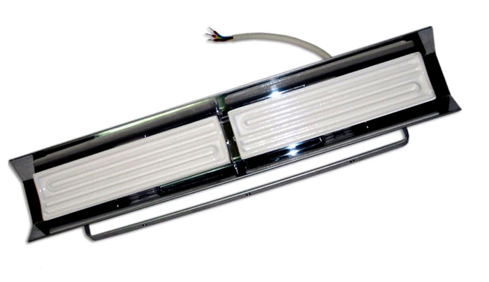 Зеркальный рефлектор обеспечивает направленность теплового излучения