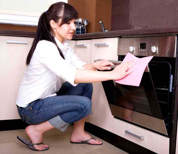 С функциями очистки уборка на кухне ограничится косметическими процедурами