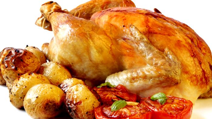 С помощью электрического аппарата можно запечь даже целую курицу