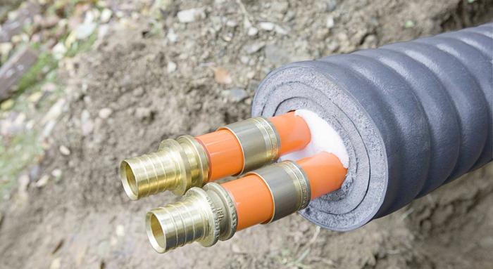 Для этих целей можно использовать минвату, полиуретан или пенополистирольные трубы