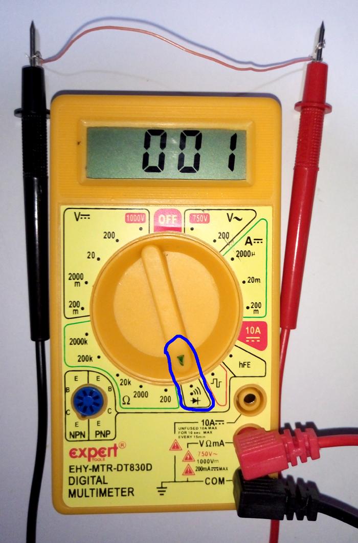 Синей линией выделено включение прибора в режим проверки со звуковым сопровождением