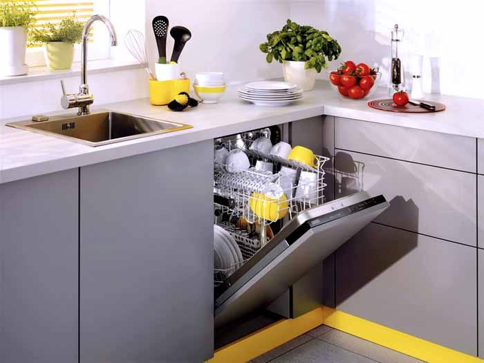 Эргономичное оборудование помогает правильно организовать интерьер для кухни
