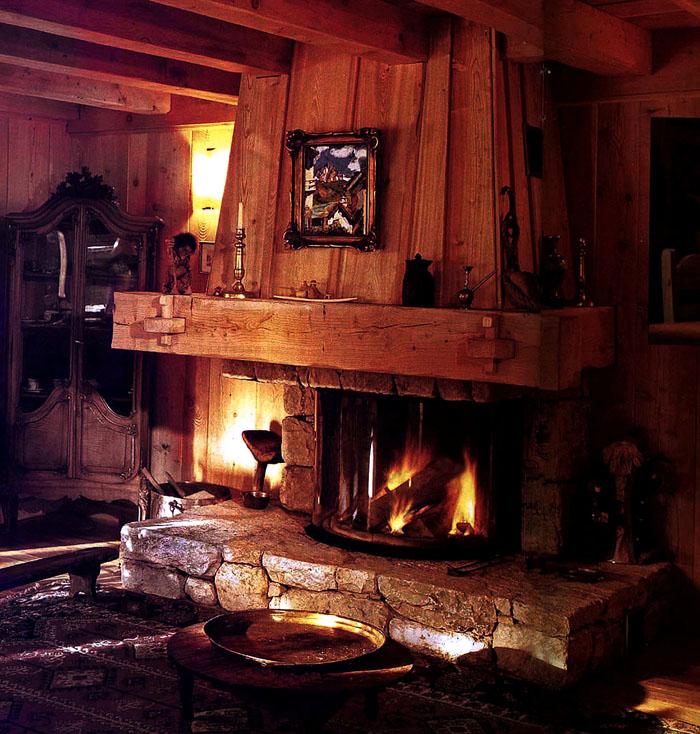 Уникальным преимуществом является наличие успокаивающего вида горящих дров в интерьере