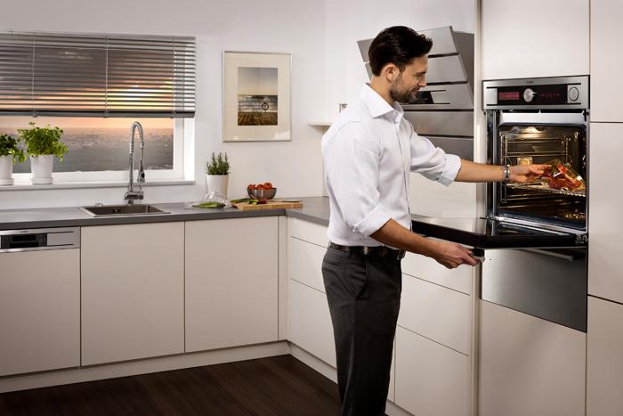 Приготовление пищи в «умной» духовке не требует особых навыков