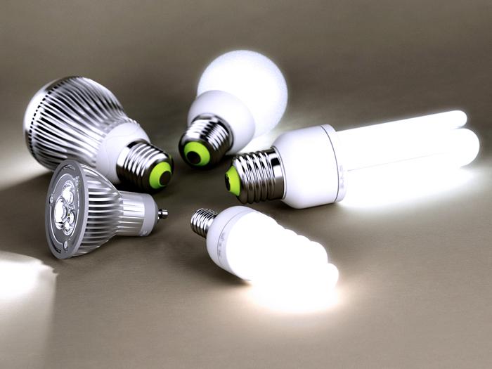 Разные виды цоколей энергосберегающих ламп.Гораздо удобнее работать с такими изделиями. Ими заменяют устаревшие лампы накаливания без переделок электрических цепей и установки других патронов