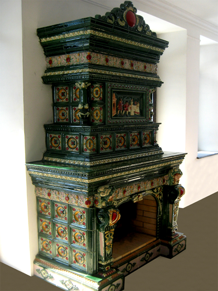 В наборах изразцов предлагают фризы, плинтус, картины, другие декоративные элементы