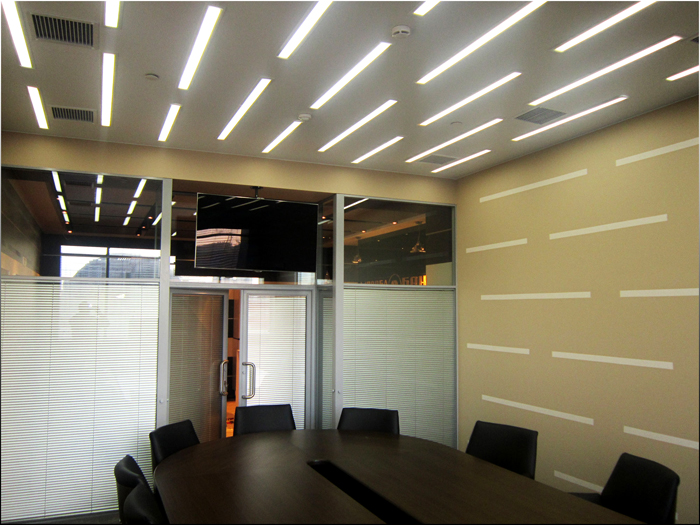 Конструкции для офиса имеют строгий и минималистический дизайн