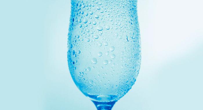 Вместо стакана подойдет и бокал
