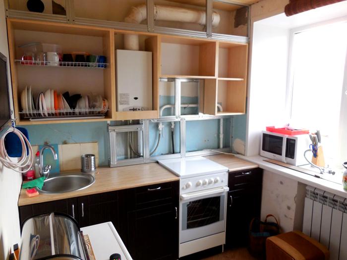 Скрытый вариант установки оборудования на кухне