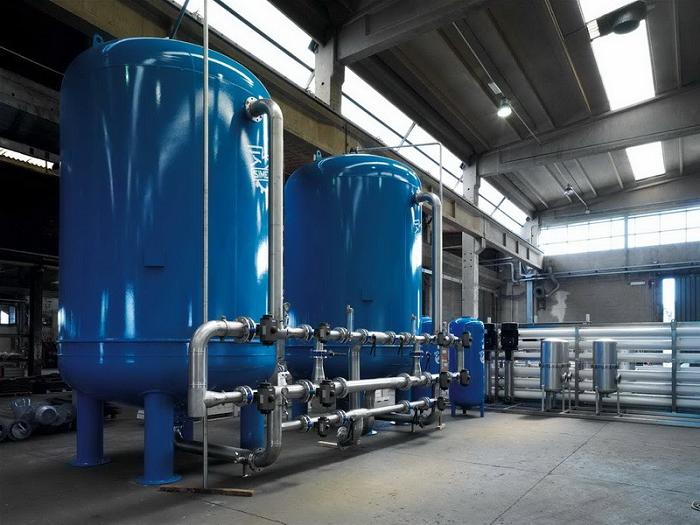 Промышленная система очистки большого объема воды