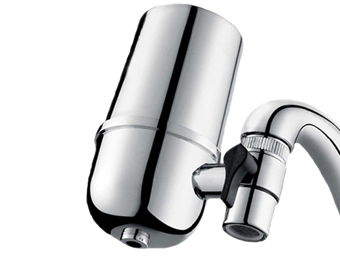 Фильтрующая насадка легко снимается и переносится на другой кран